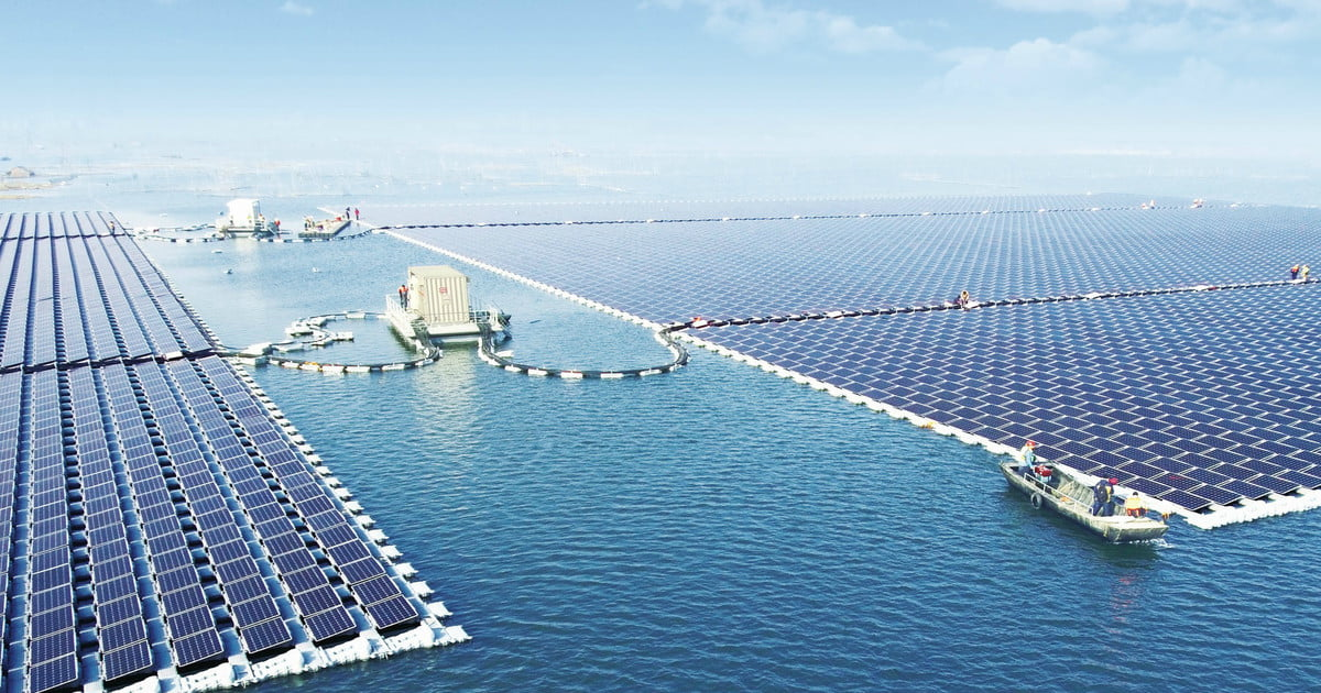 China Completes Its Massive Floating Solar Power Plant