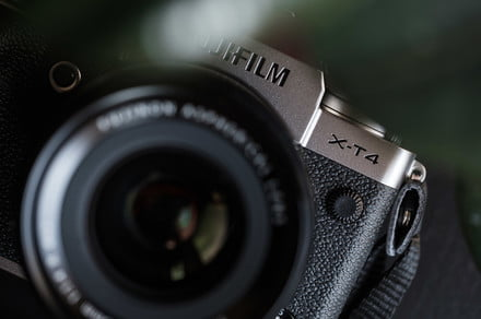 Fujifilm X-T4 vs. Fujifilm X-Pro3: A difference in form and function