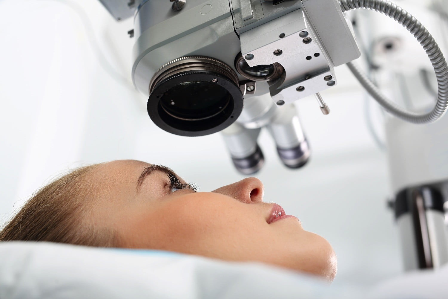 A new laser eye surgery fixes your vision without any gnarly eyeball slicing