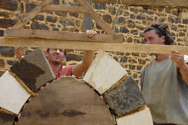 the guedelon castle is being built with 13th century techniques gu  delon 0038