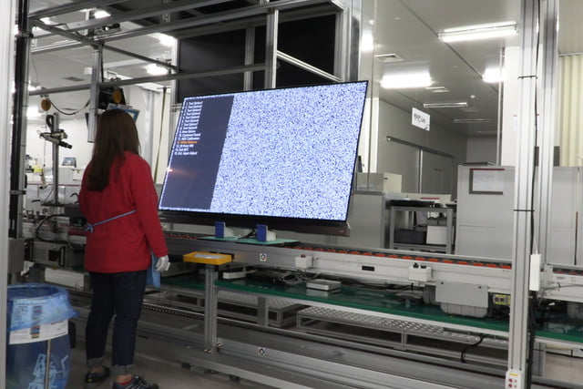 exclusive tour of lgs manufacturing and assembly lines gumi facility 007