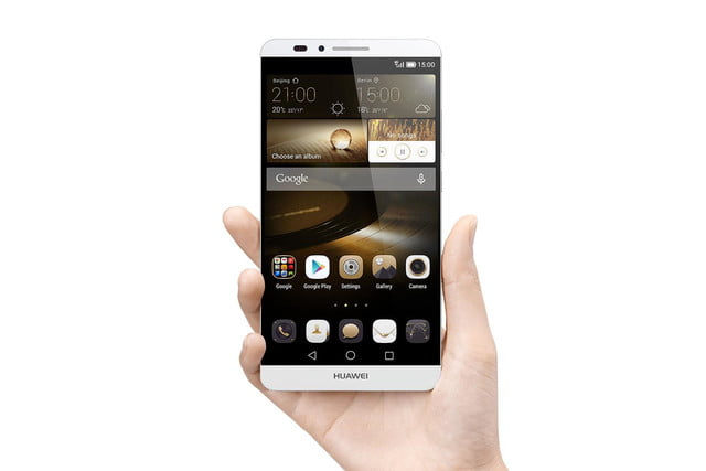 huawei ascend mate 7 debuts at ifa mate7 in hand press image