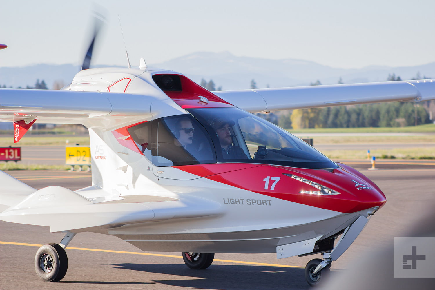 Meet the Icon A5: The High-Tech Airplane that Anyone Can Fly