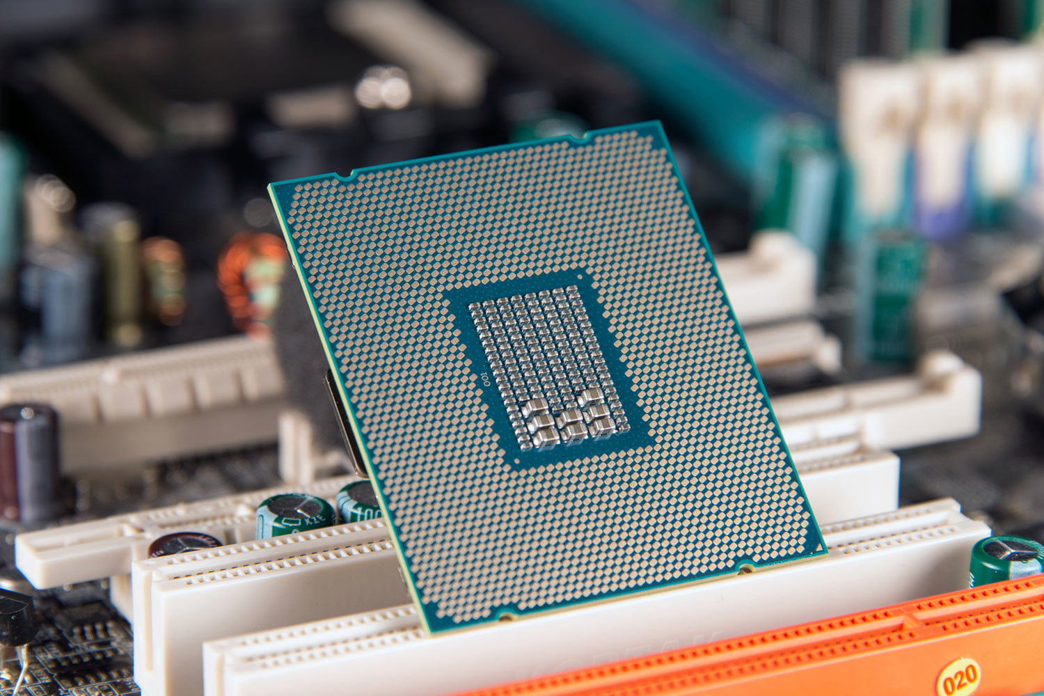 If Intel skips 10nm desktop CPUs to get to 7nm, they could be delayed until 2022