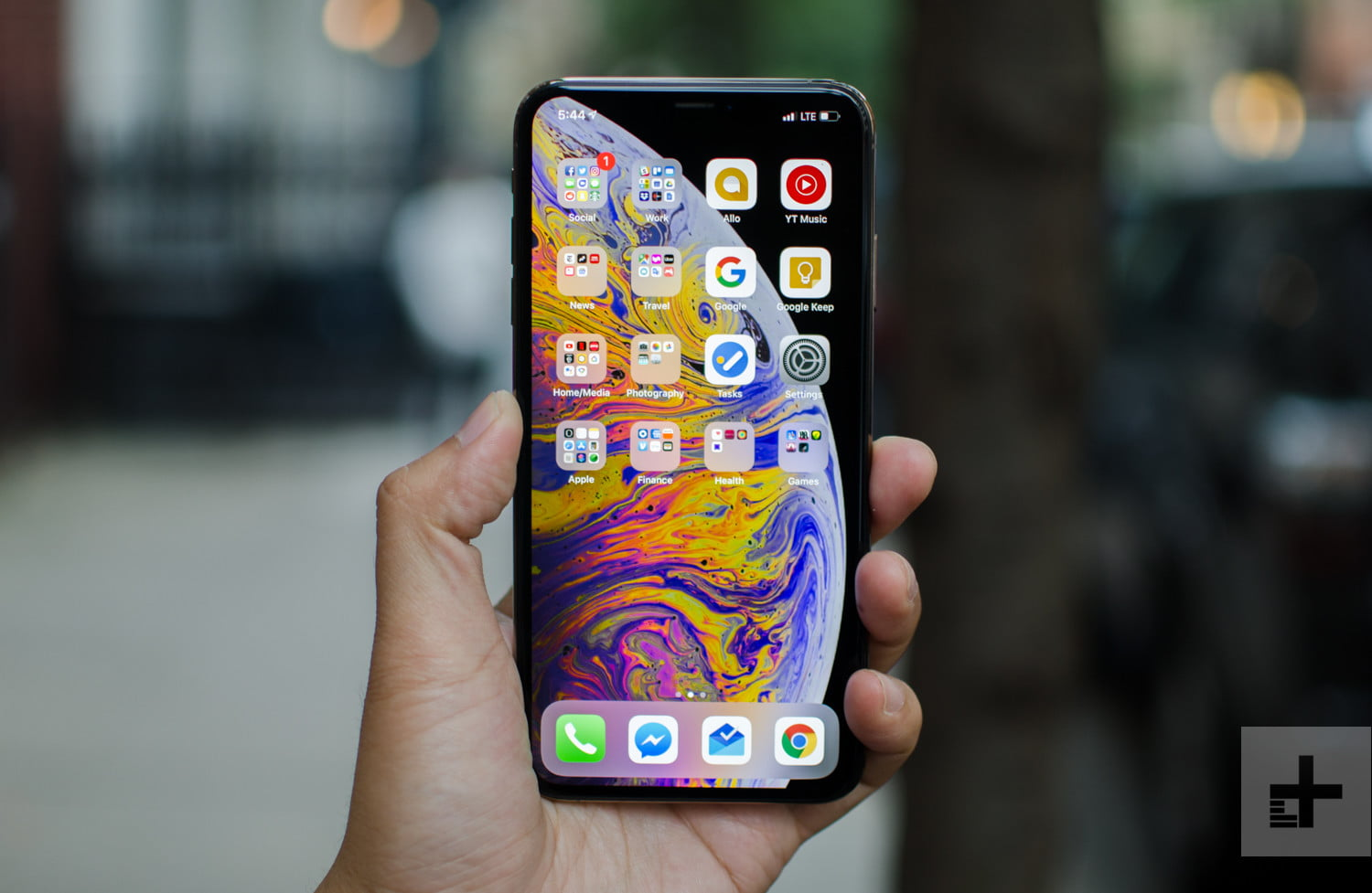 Save a Huge $450 on the Apple iPhone XS Max with Amazon Renewed
