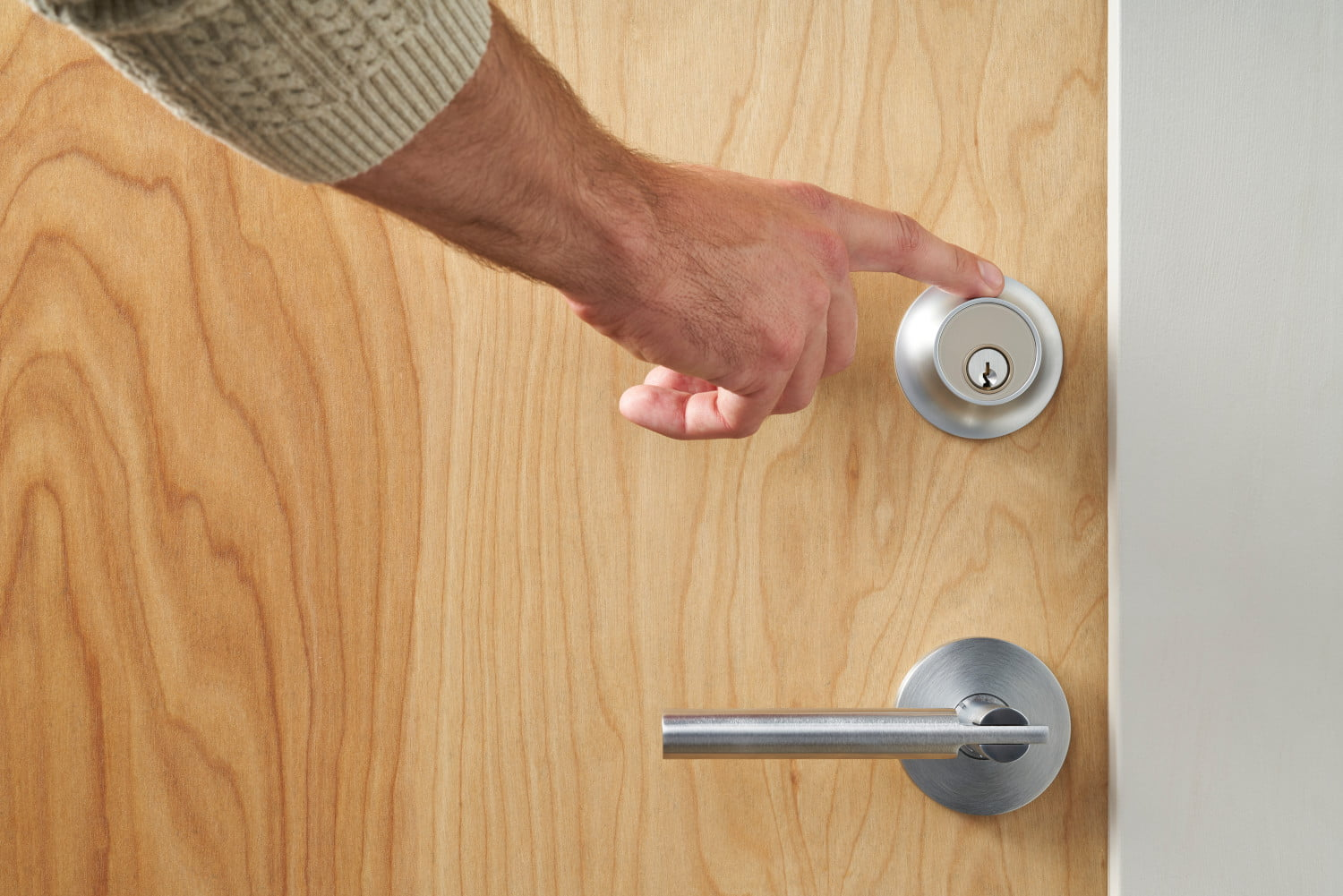 Level Touch Smart Lock Conveniently Unlocks With a Tap | Digital Trends