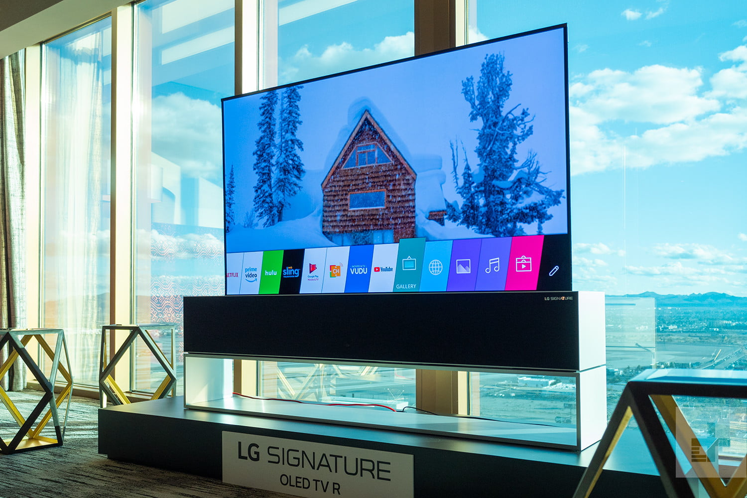 LG to announce an OLED 4K TV that rolls down from the ceiling at CES 2020