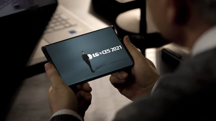 LG Rollable smartphone