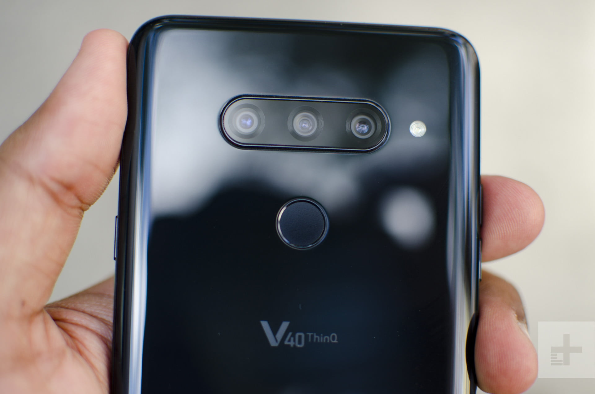 tracking where a phone is LG V40