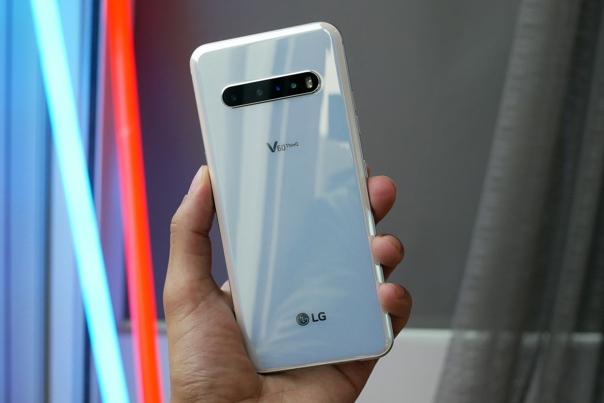 LG V60 ThinQ Hands-On: A Fold You Don't Have To Worry About