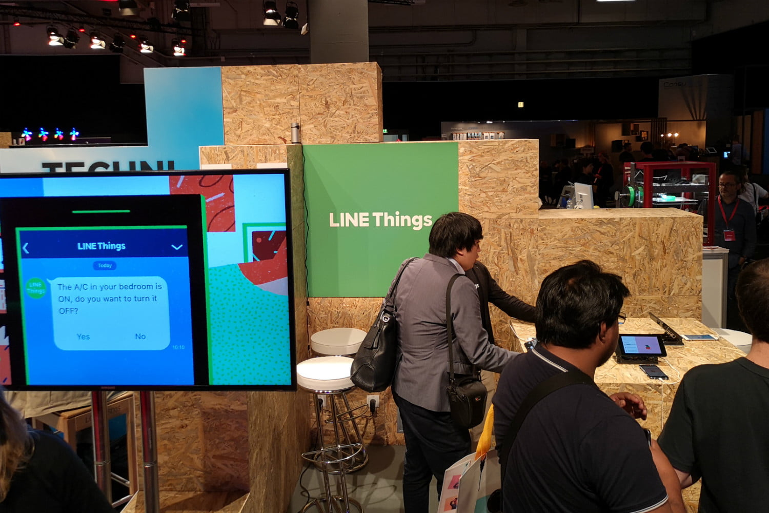 Use your messaging app to control your smart home with Line Things