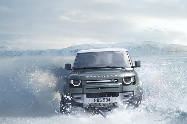 2020 land rover defender boasts rugged style usable tech lr def 20my 90 dynamic 100919 01