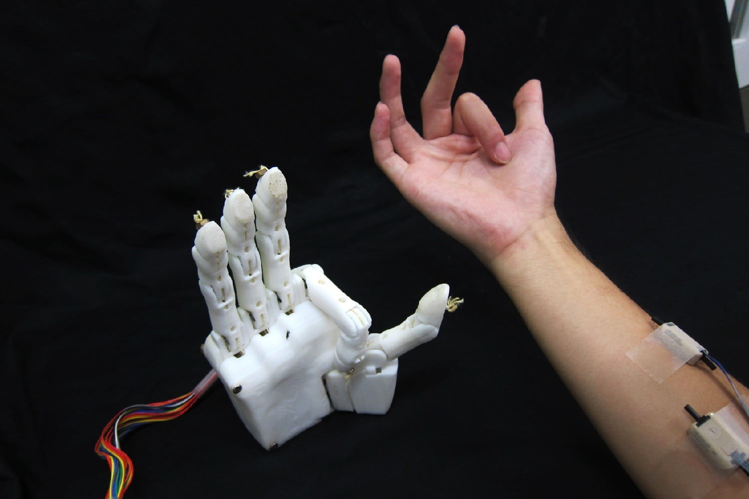 Thought-controlled robotic hand can play games of rock-paper-scissors