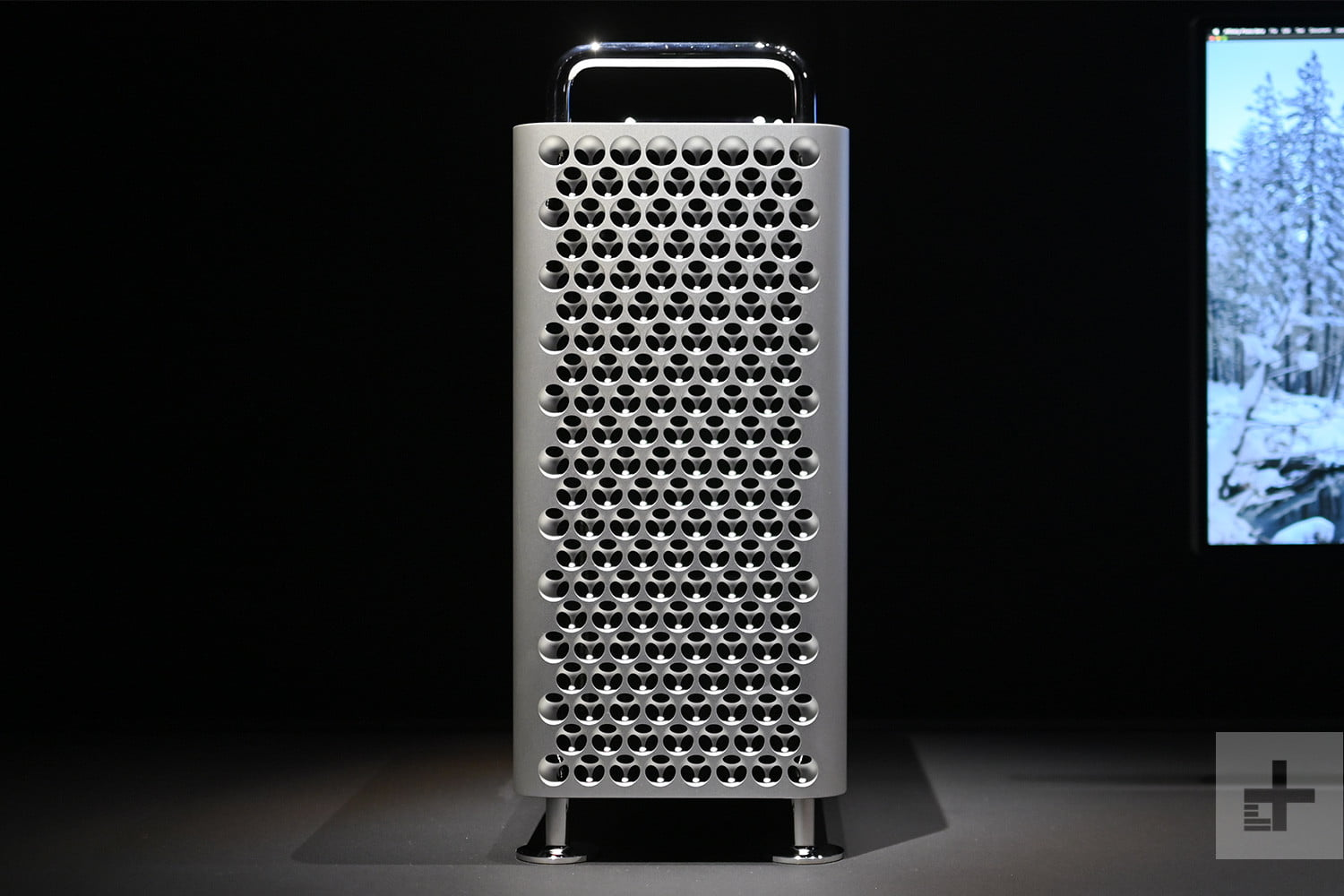 Only a few people have tested the new Mac Pro. Here's what they have to say