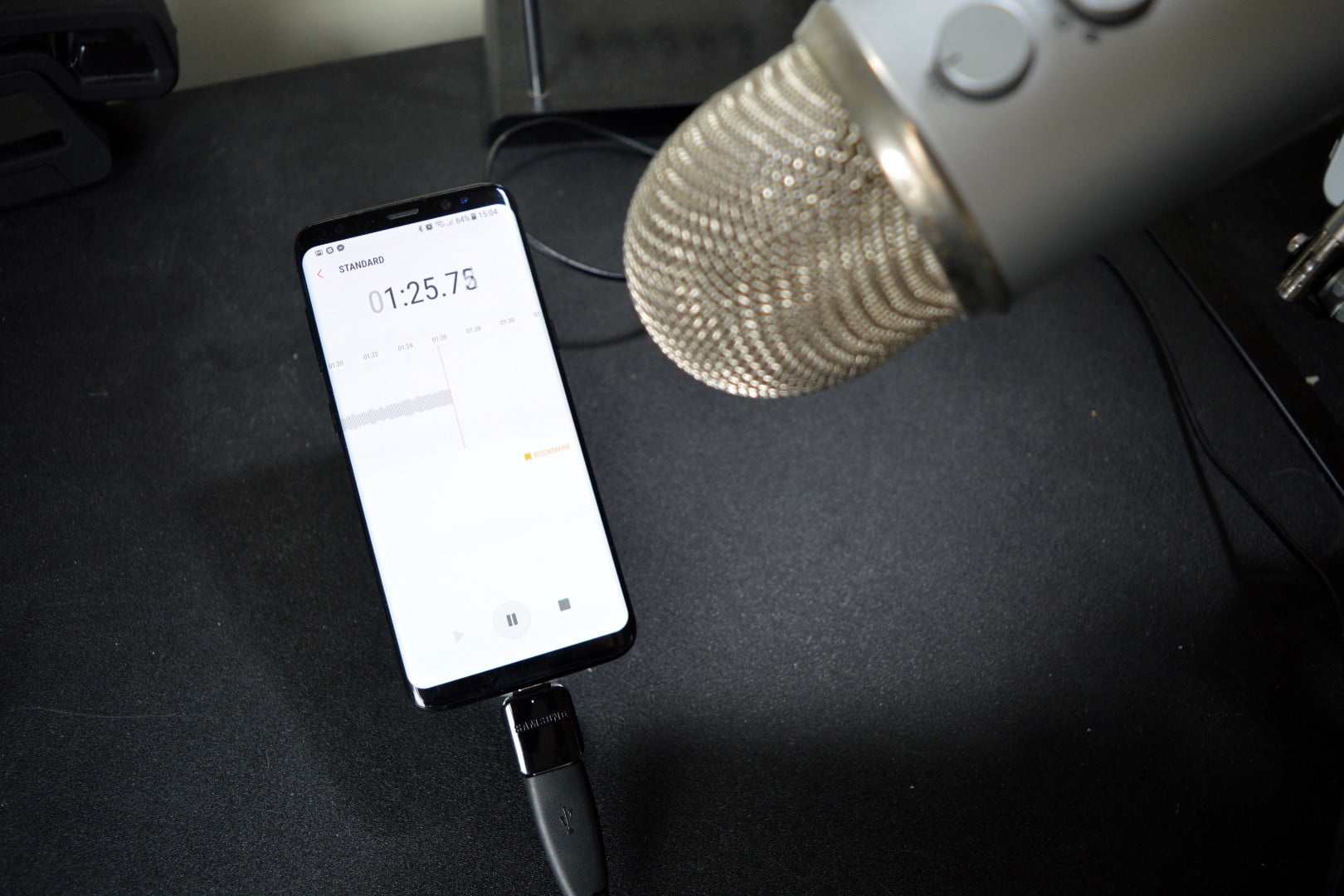 What Is USB OTG? How to Connect USB Accessories to Your