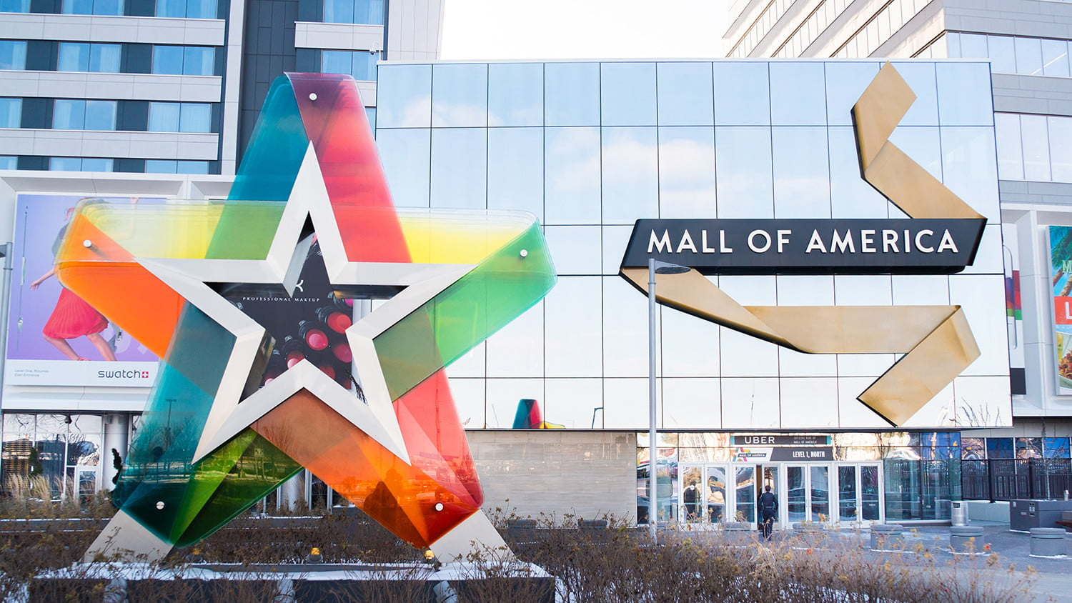 With Bluetooth, Beacons, and RFID Bands, the Mall of America
