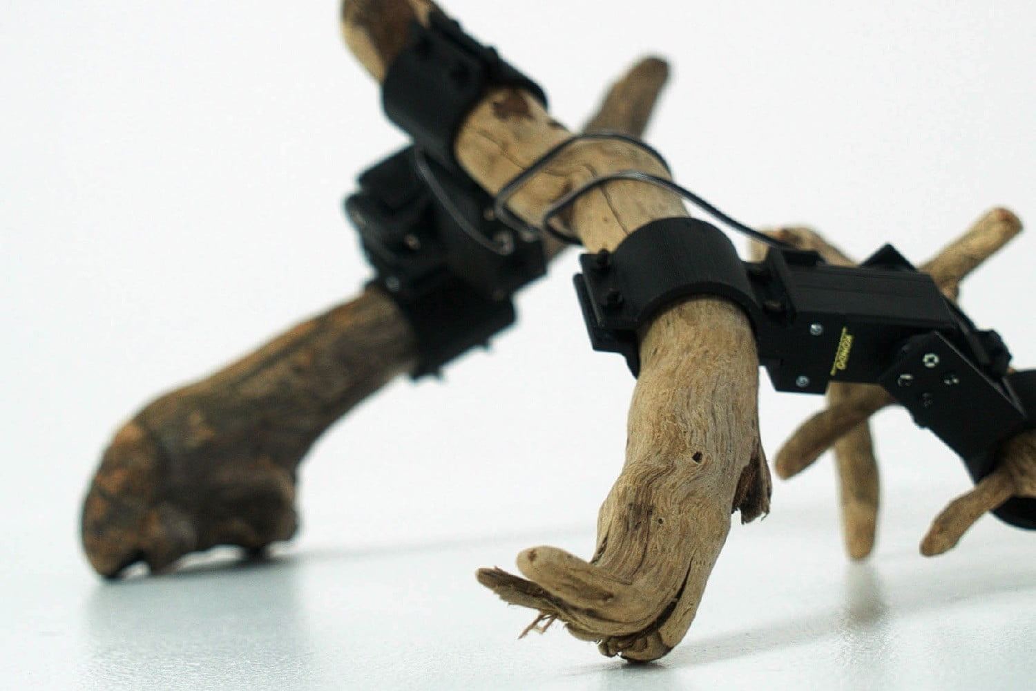 Japanese researchers use deep learning A.I. to get driftwood robots moving