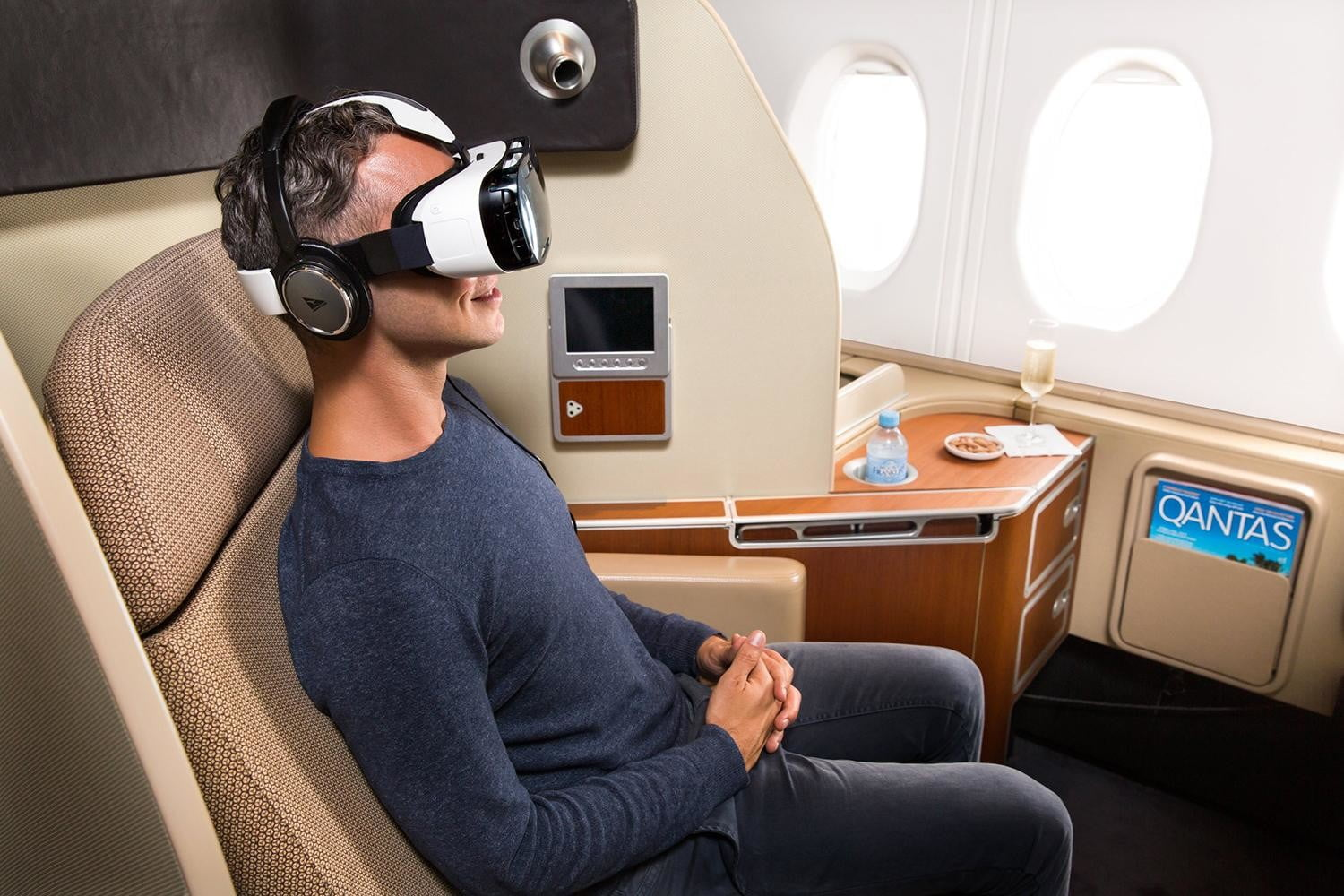 5 Awesome Airplane In-Flight Entertainment Systems   Digital