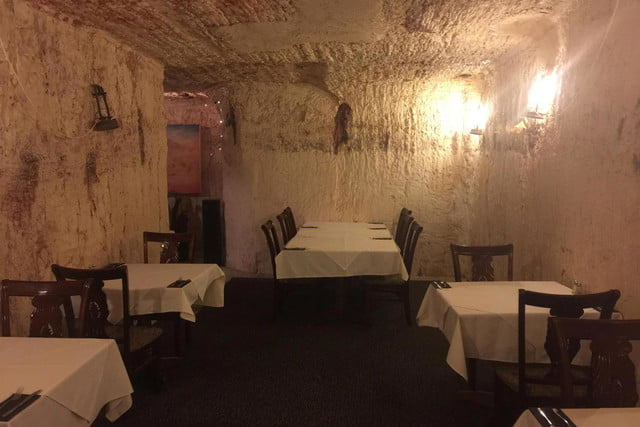 coober pedys residents live in underground dugouts old miners dugout cafe 007