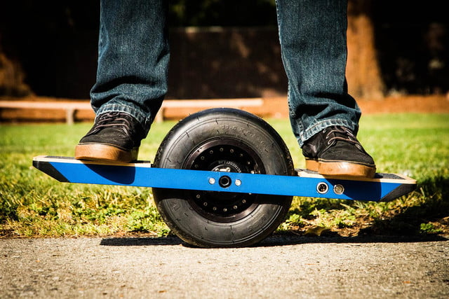 onewheel electric skateboard lifestyle image 25