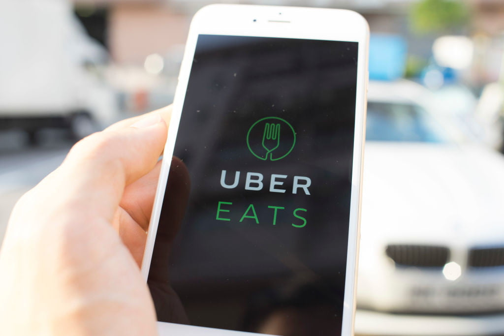 Flying Food: Uber Has Set a Target Date to Use Drones for