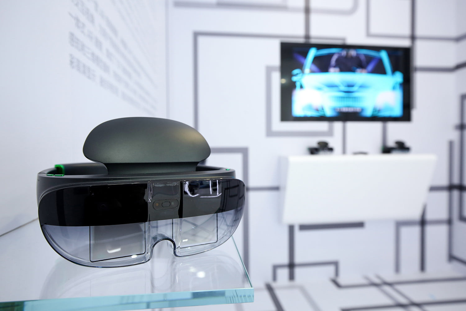 Oppo steps into augmented reality with its HoloLens-like AR Glass headset