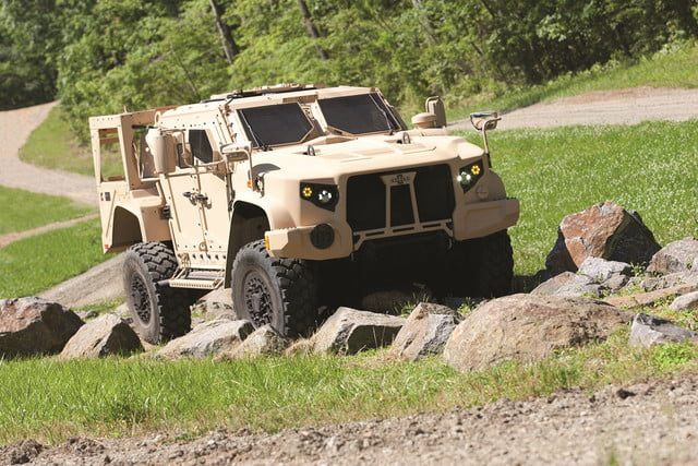 oshkosh 6 75b military contract pictures specs news jltv 0013