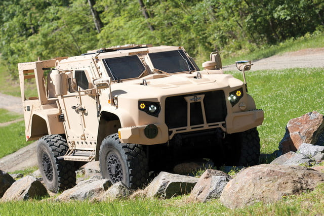 oshkosh 6 75b military contract pictures specs news jltv 003