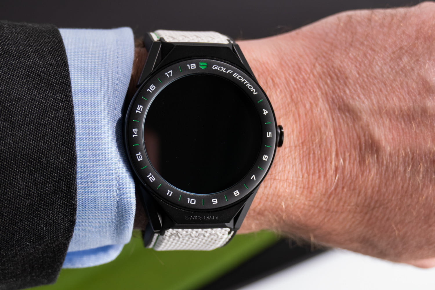 mejor selección 55d10 25b8c Tag Heuer Golf Edition Smartwatch Is More Than Just a Flash ...