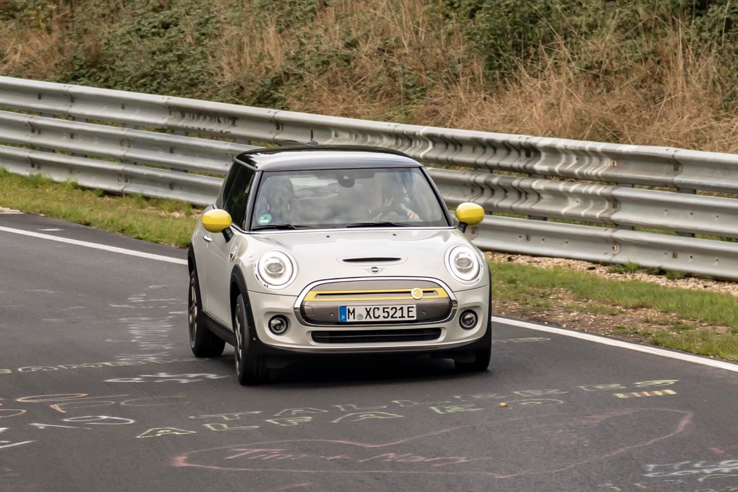 Electric Mini Cooper SE laps the Nürburgring without using its brakes