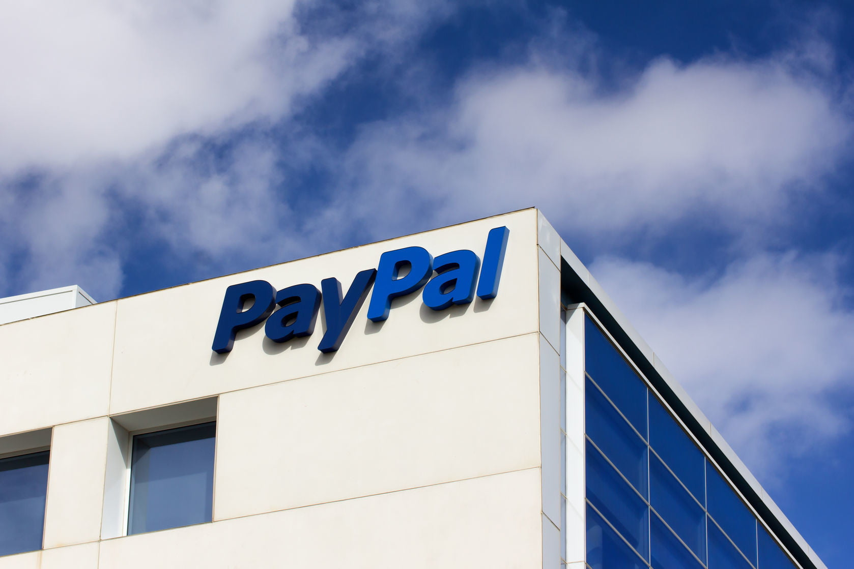 PayPal to Let You Withdraw Cash at Walmart, but There's a