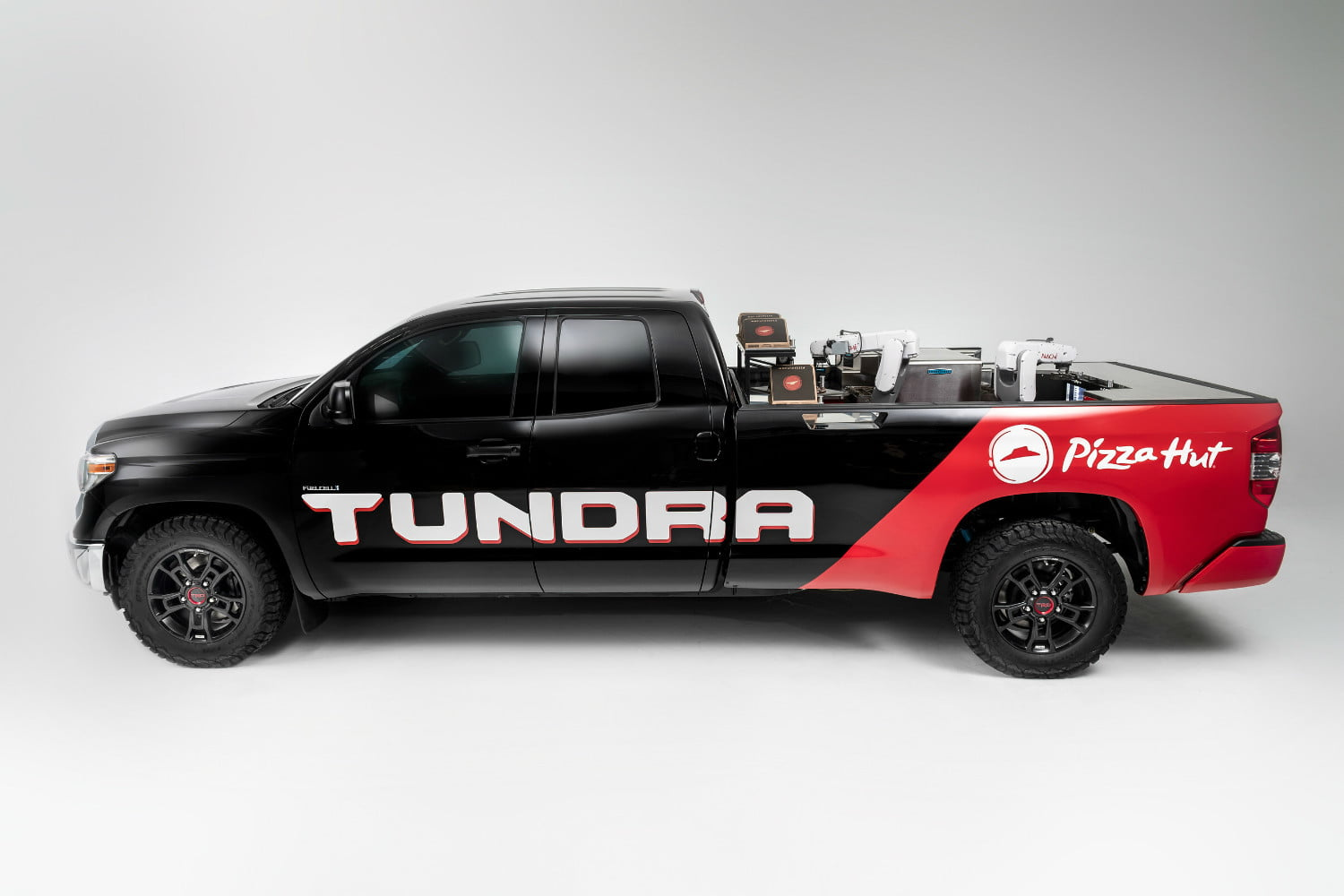 Pizza Hut tricks out a Toyota Tundra to whip up a pie in 7 minutes