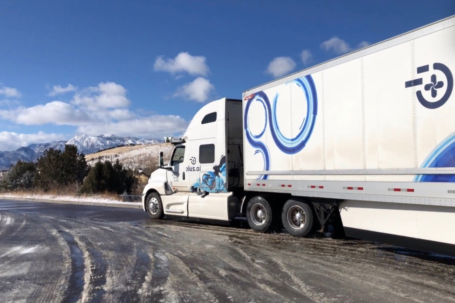 This autonomous truck just made a cross-country grocery run