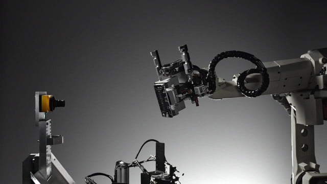 apple liam phone recycling robot deconstructs iphones for