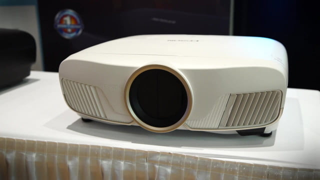 epson home cinema 5040ub pro 6040ub 4040 unveils world s first 4k  hdr projectors under 3 000