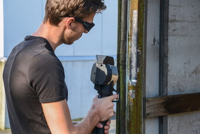 handheld laser cleaner lets you blast away rust and paint