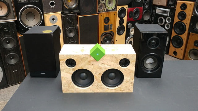 vamp stereo speaker launch on kickstarter and  news hands features