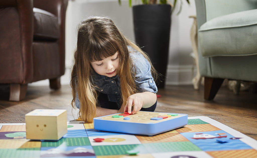 Teach your toddlers how to code with Cubetto, the wooden robot