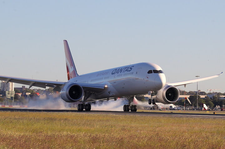 qantas breaks a record with non stop flight from ny city to sydney completes first commercial direct new york