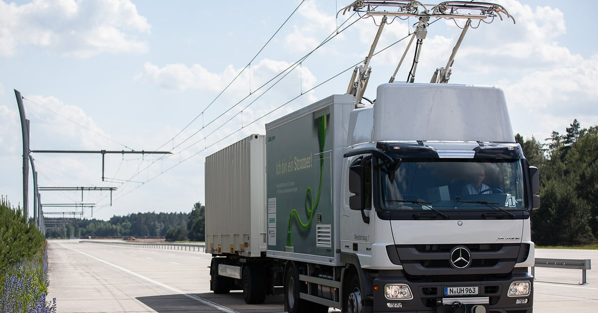 An Electric Highway Is Now Powering Delivery Trucks in Germany