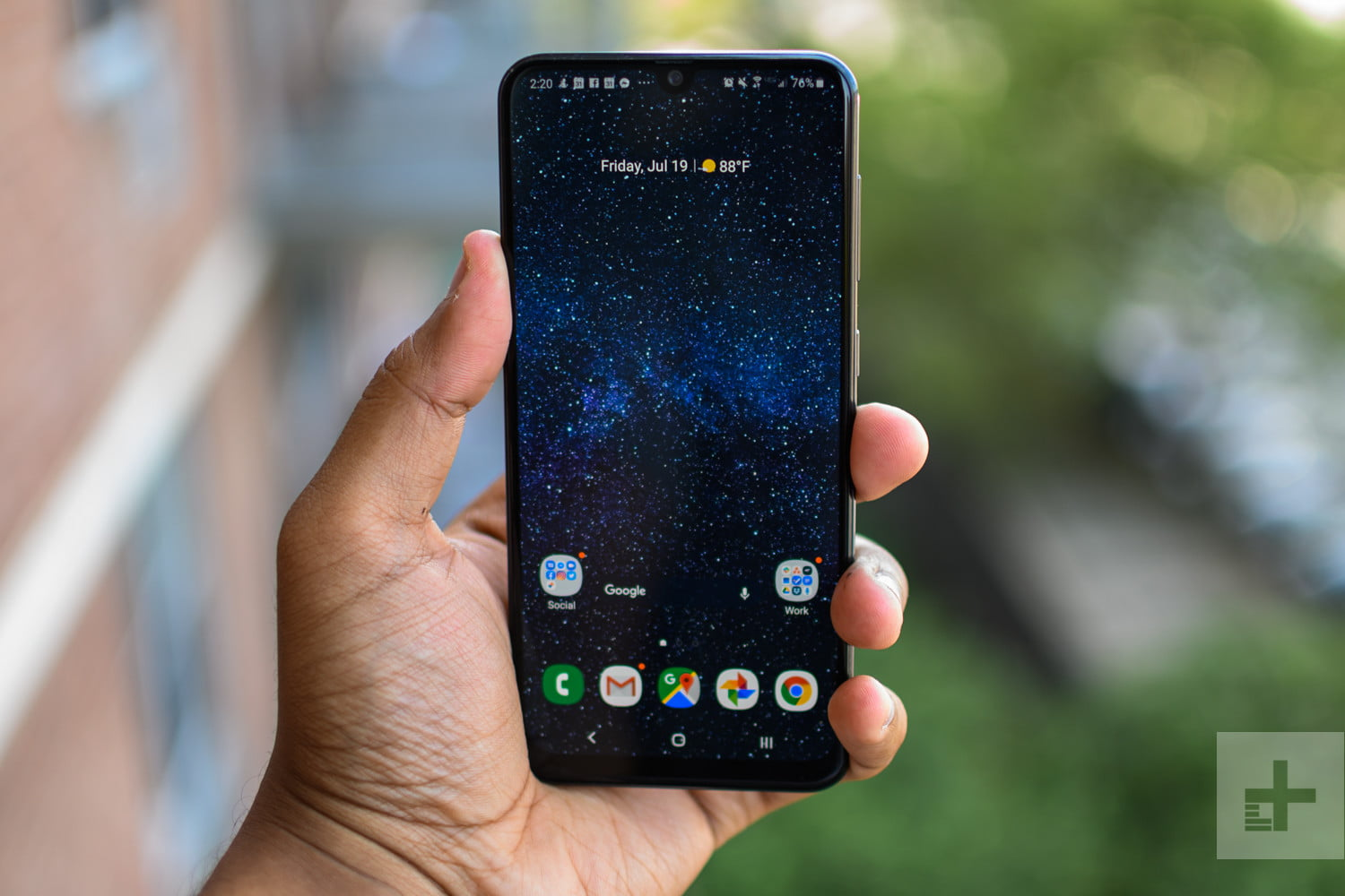 Samsung Galaxy A50 Review Flagship Looks At A Mid Range Price Digital Trends