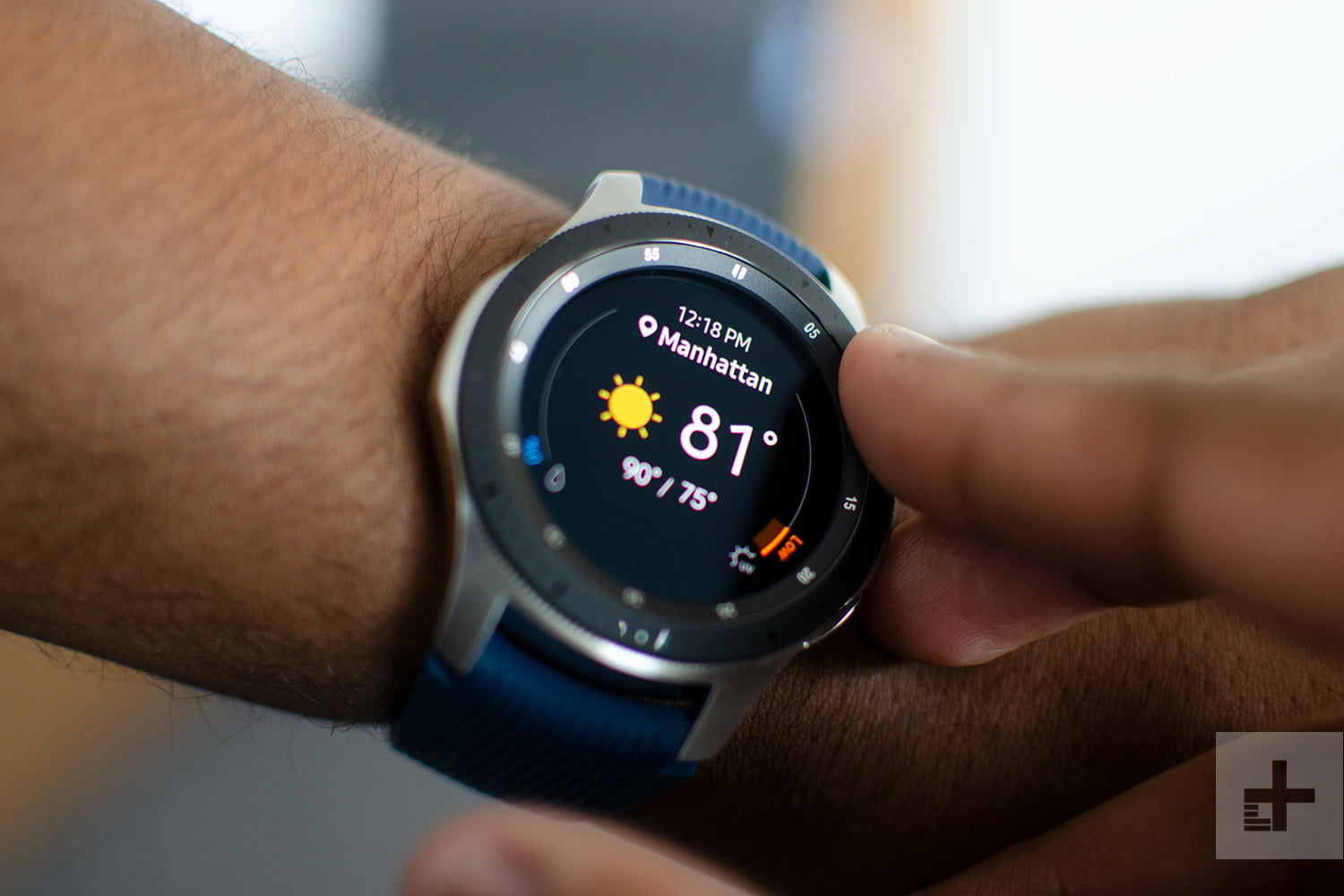 Wear this exceptionally stylish 42mm Samsung Galaxy watch for $50 off at Walmart