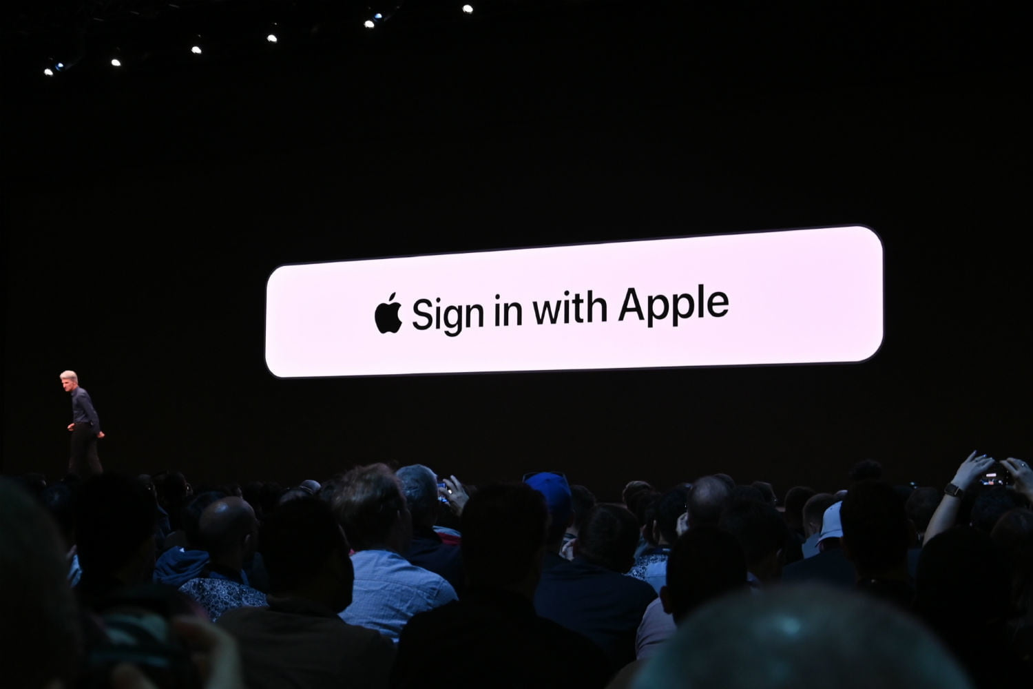 Sign In with Apple sticks it to Google and Facebook, for the good of everyone