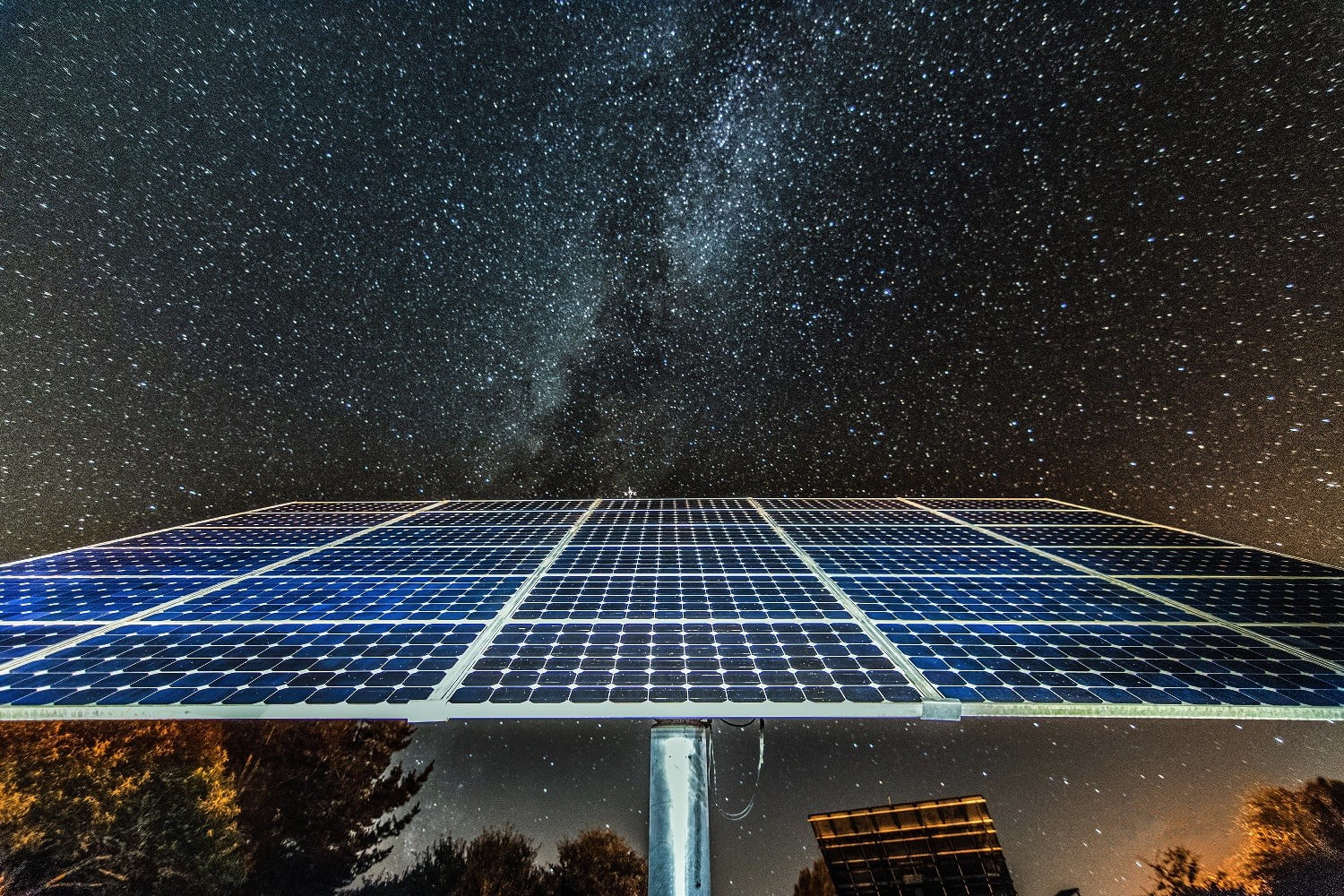 New 'reverse solar panel' generates power at night by radiating heat into space