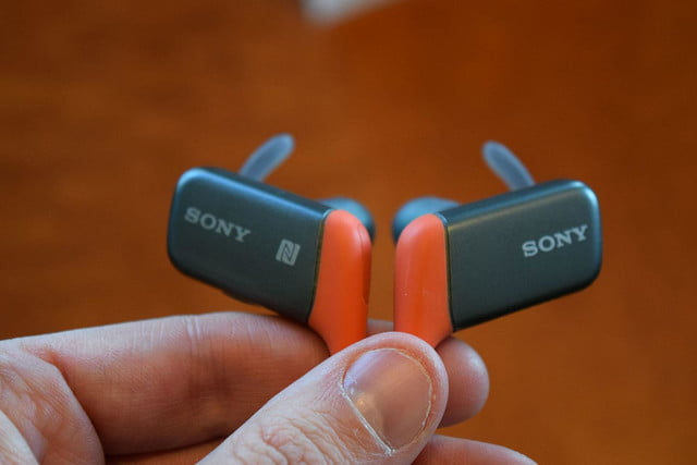 Sony MDR AS600BT hands on 1