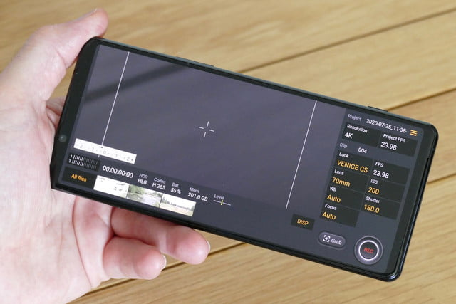 sony xperia 1 ii review cinema pro app