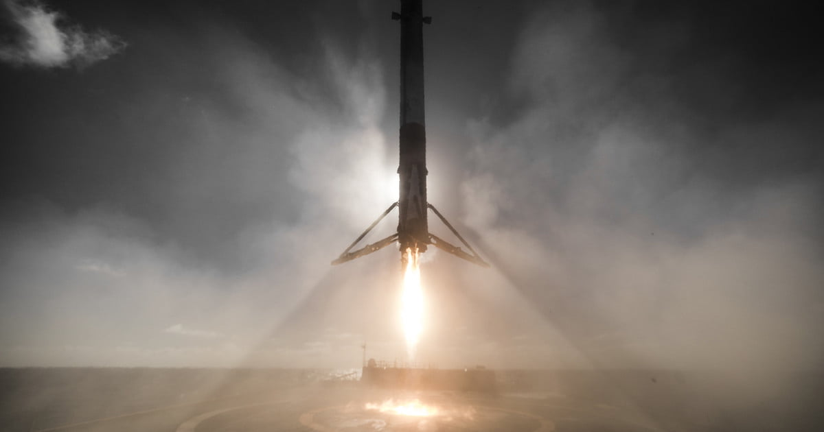 Marvel at this stunning footage of SpaceX's latest rocket landing