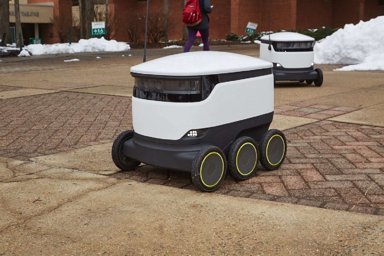 Self-driving meal machines are now feeding students at an Indiana college