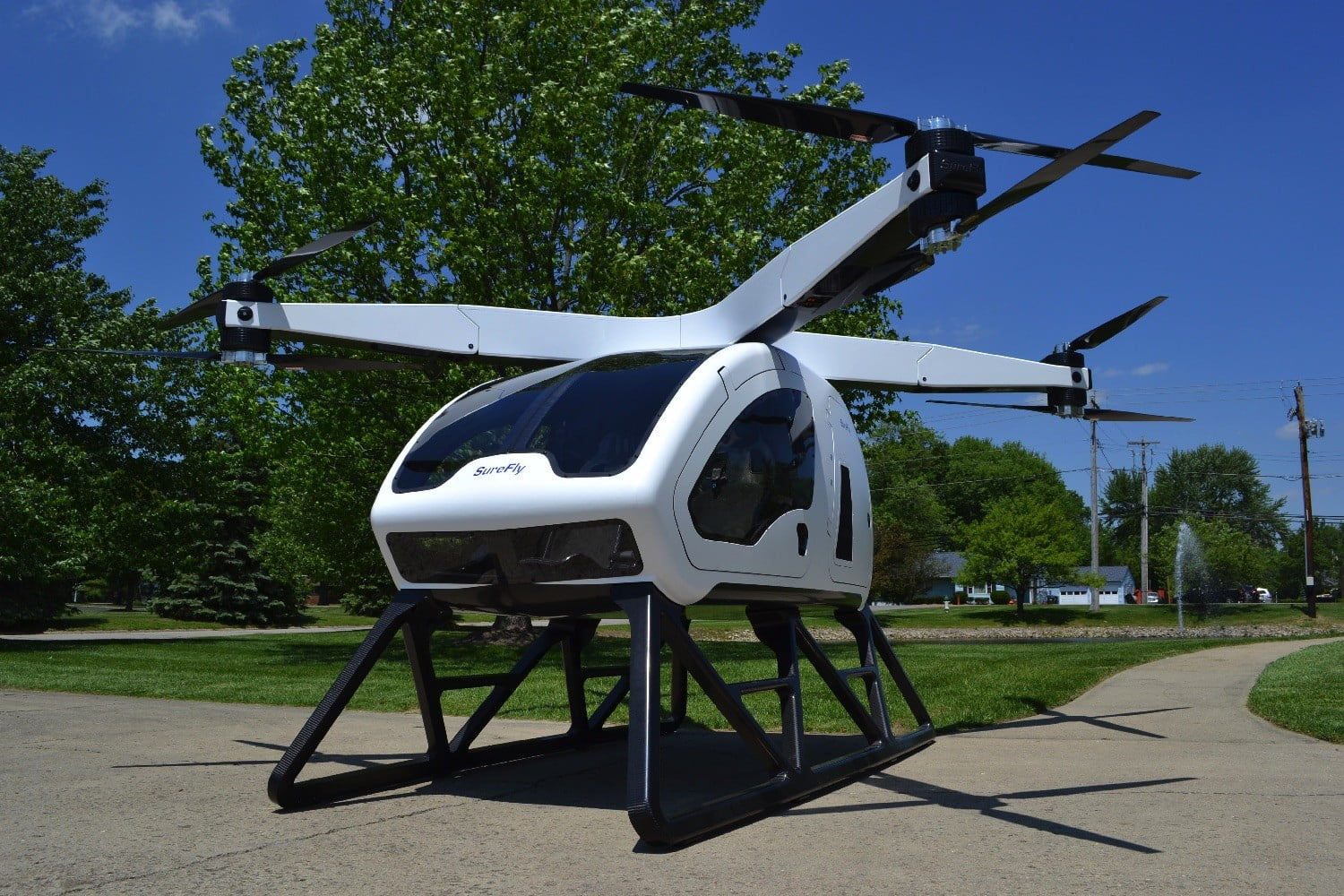 Watch the SureFly two-person hybrid-electric copter make its maiden hover
