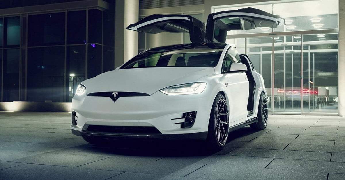 Electrical Tape on Sign Tricks Tesla Vehicles Into Speeding | Digital Trends
